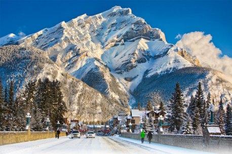 Banff-Avenue51-740x492